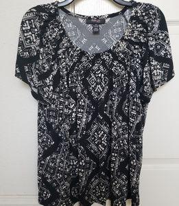 Style & Co Black/White CrissCross Mosaic Top